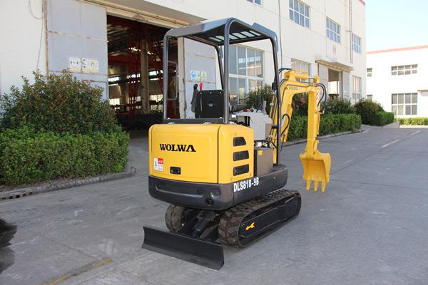 1.8吨高端微型挖掘机